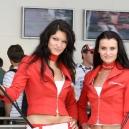 Krásné dívky u Toyoty F1